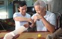 Sinh viên chế tạo tay robot giá 3 triệu đồng cho người khuyết tật