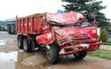 """Phú Yên: Quốc lộ 1 """"nát tươm"""", hàng loạt xe tải gặp nạn trong đêm"""