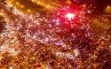 CĐV đỏ rực pháo sáng ăn mừng trước sân vận đông Mỹ Đình