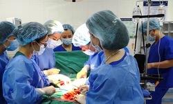 Điều trị thành công ca vỡ tử cung, cứu nguy cả mẹ và con