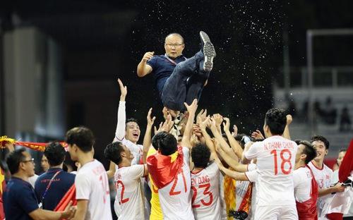 """Tin bóng đá SEA Games 30: U22 Việt Nam giành huy chương Vàng lịch sử, Thầy trò ông Park nhận """"cơn mưa"""" tiền thưởng"""