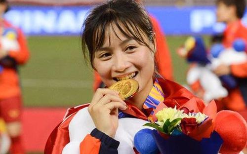 Báo Thái chọn hotgirl Hoàng Thị Loan vào top 10 cầu thủ xinh nhất châu Á