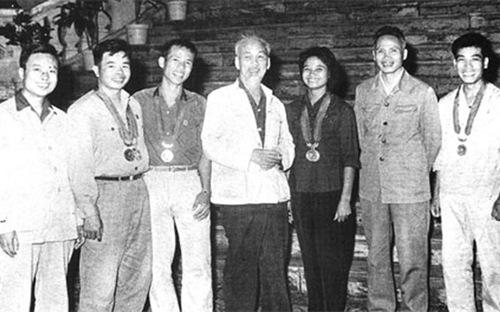Kỷ lục gia châu Á Vũ Thị Sen và 2 lần vinh dự được gặp Bác Hồ