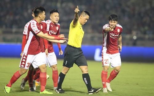 Trưởng ban Trọng tài VFF giải thích về sai sót của trọng tài V-League