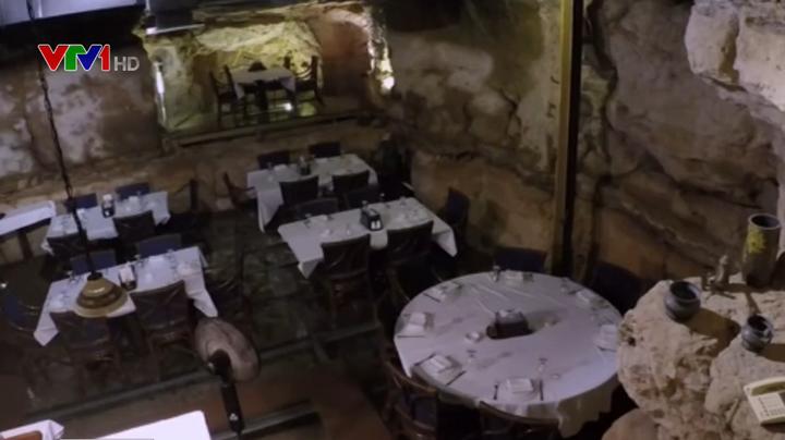 Nhà hàng trong hang động 60 triệu năm tuổi ở Jordan